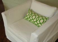 casual-white-chair-no-piping-loose-seat-and-back-cushions