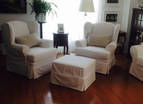 Chairs_and_Ottoman_in_White