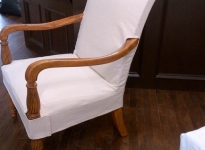 custom-armchair-show-wood-on-arms-legs