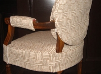 custom-dining-arm-chair-show-wood