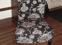 custom-dining-chair-show-wood-legs