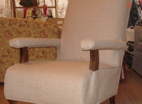 custom-no-loose-cushions-show-arm-with-covers