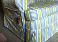 custom-recliner-with-opening-detial-velcro
