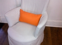 kids-room-chair-orange-cushion