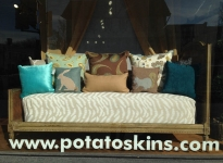 store-front-window_daybed_2014-03